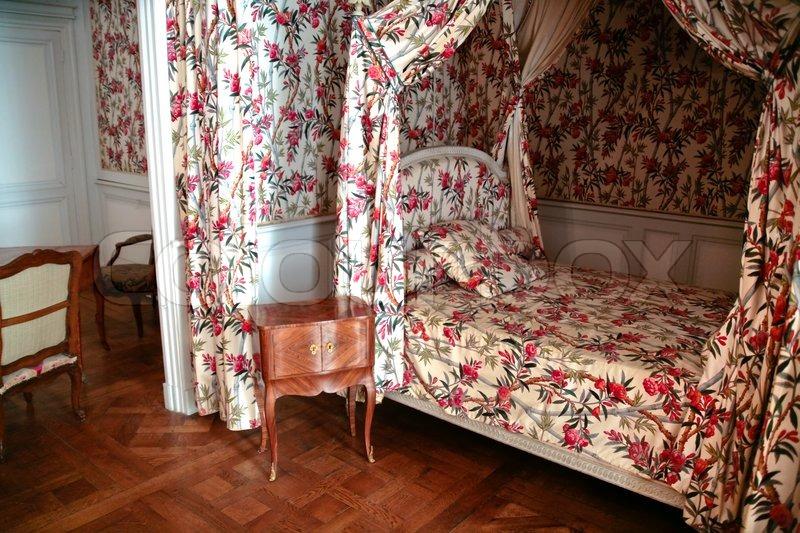 Frau Nische Schlafzimmer in Schloss | Stockfoto | Colourbox