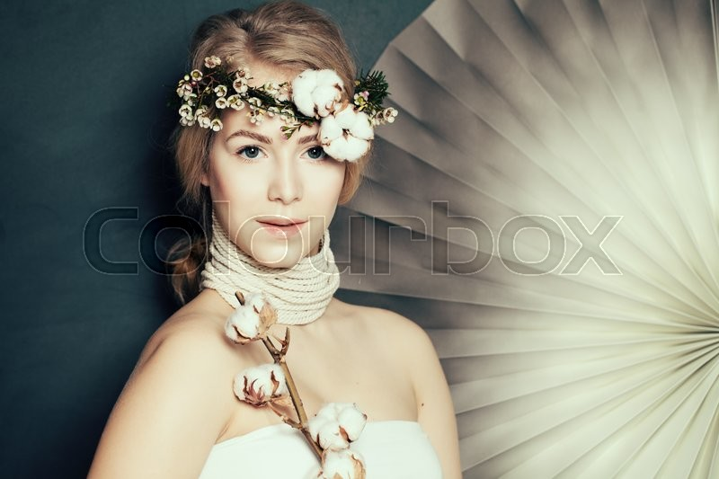 Stock image of 'Elegant woman with healthy skin on fashion background'
