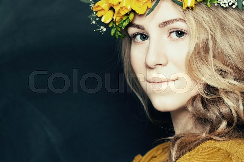 Stock image of 'Young fashion woman with natural makeup'