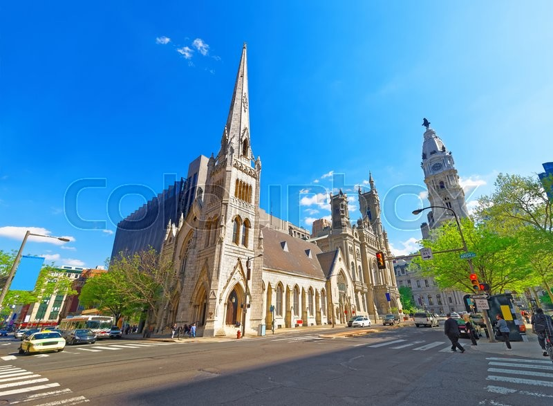 Stock image of 'Masonic Temple and street in the Old City in Philadelphia, in Pennsylvania, the USA. Tourists in the street. The Temple is placed near City Hall'