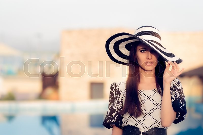 Stock image of 'Portrait of a beautiful girl in fashion for summer'