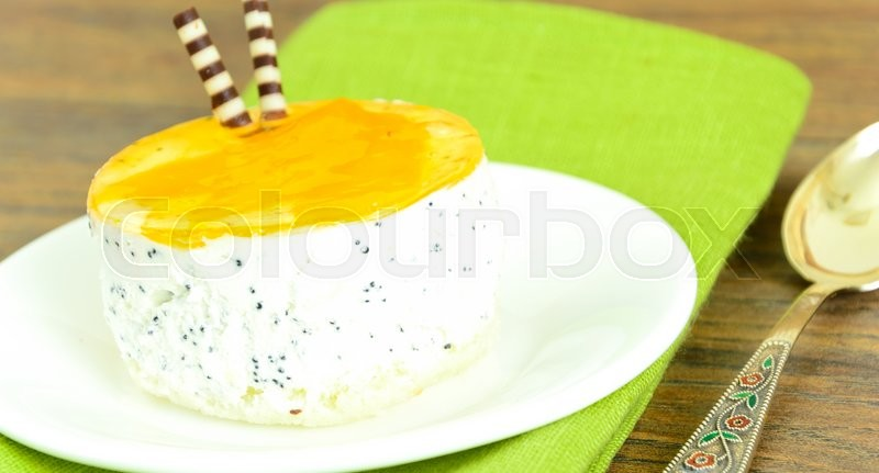 Stock image of 'Sweets: Cream Cakes on Plate. Studio Photo'