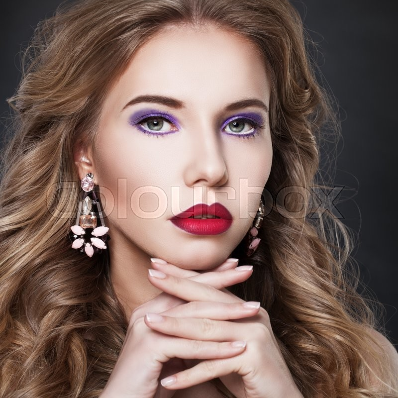Stock image of 'Pretty Fashion Model Woman with Earrings'
