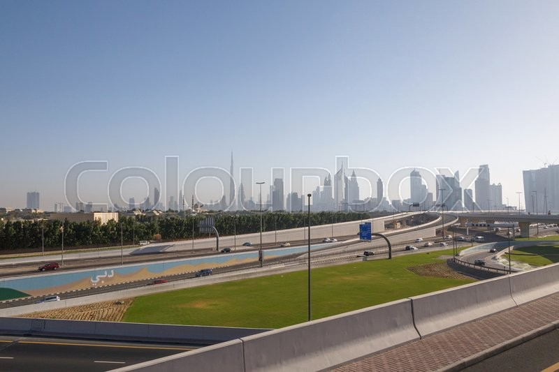 Stock image of 'Sight of Dubai from road flyover'