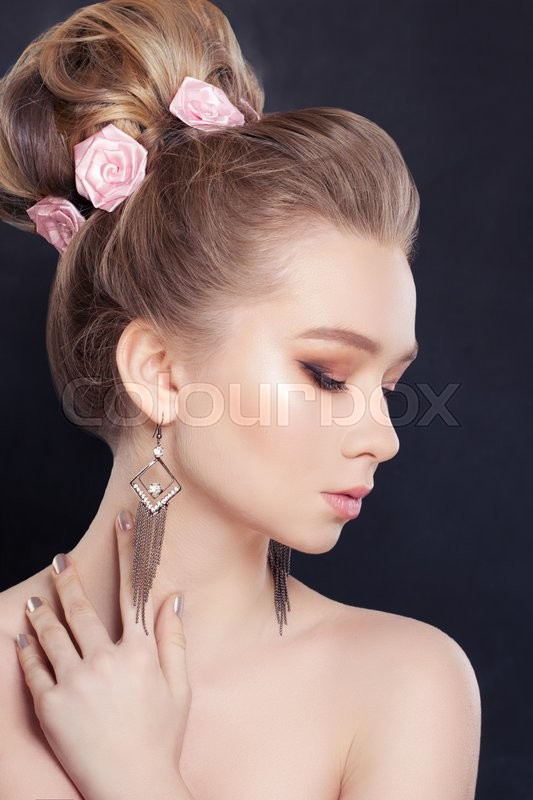 Stock image of 'Young Woman with Bridal Hairstyle'