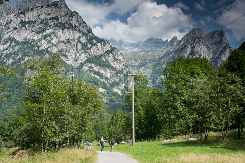 Stock image of 'Italian vacation in high mountains of Alps to hike nature  trail'