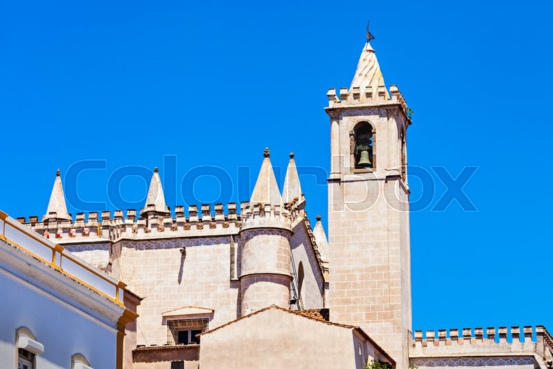 Stock image of 'Church of St. Francis (Igreja de Sao Francisco) is located in Evora, Portugal. It is best known for its lugubrious Chapel of the Bones.'