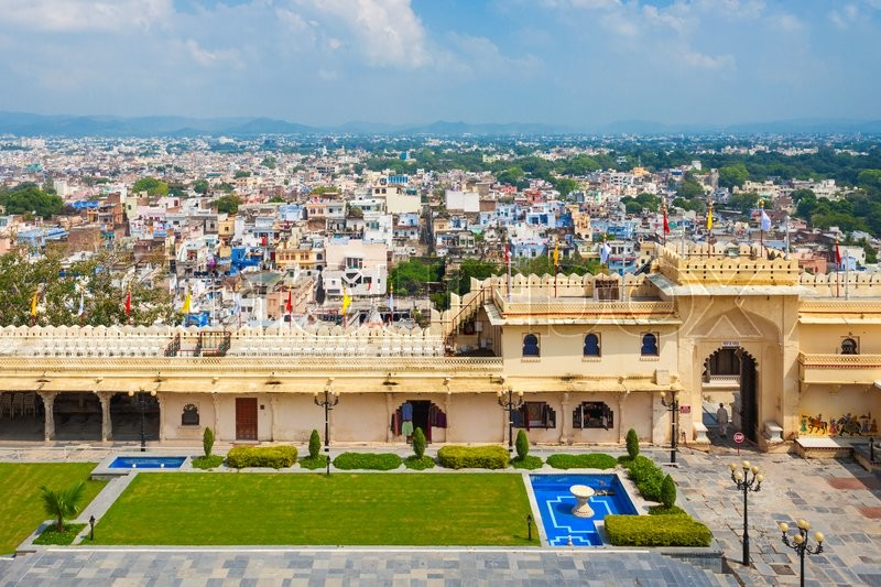 Stock image of 'Udaipur City Palace in Rajasthan is one of the major tourist attractions in India'