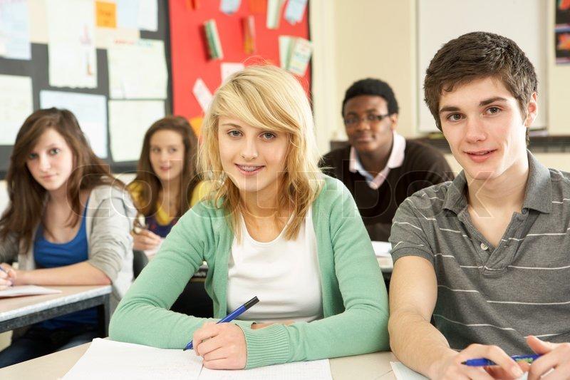 студентка на факультативе смотреть начала, приласкает фаллос