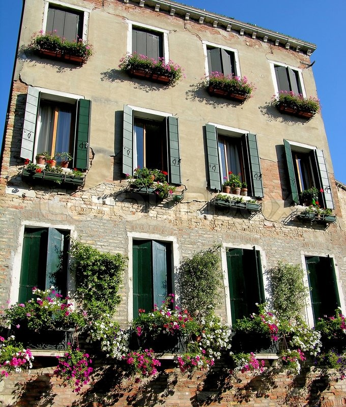 italian fenster mit blumen venedig stockfoto colourbox. Black Bedroom Furniture Sets. Home Design Ideas