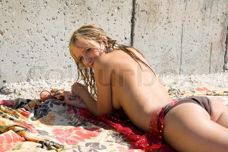 Sunbathers pix erotic young