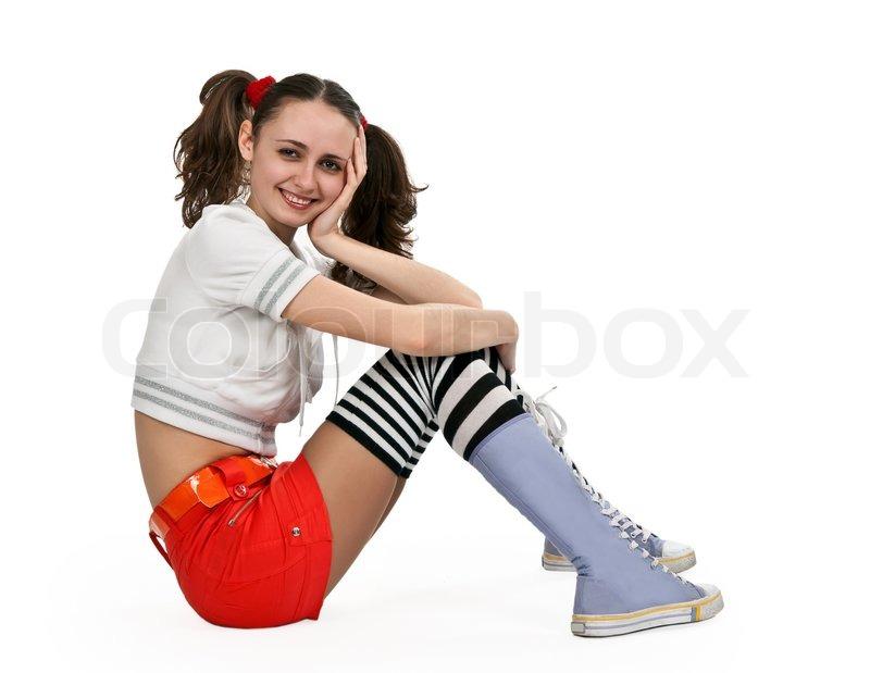 M dchen in gestreiften socken und orange minirock sitzt for Boden mode preview