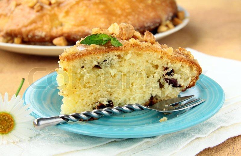 Kostliche Kuchen Mit Nussen Und Karamell Glasur Stockfoto Colourbox