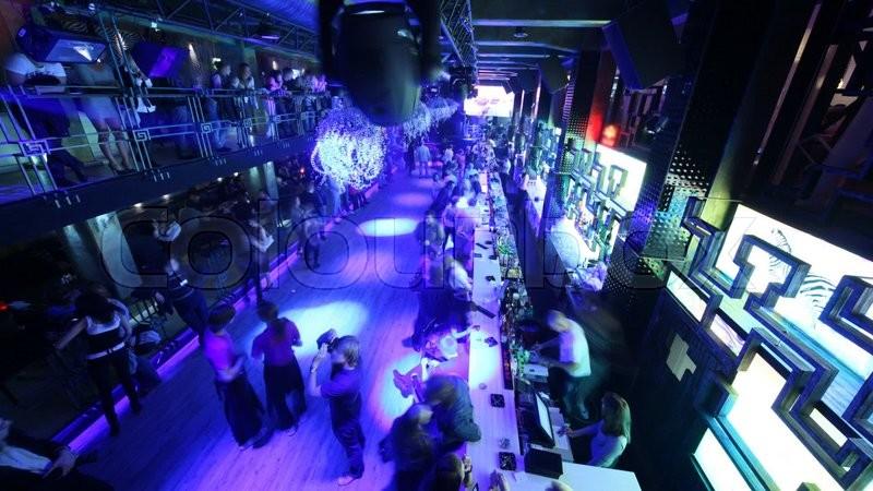 Ночной клуб lookin rooms в москве цена в клуб сохо москва официальный сайт