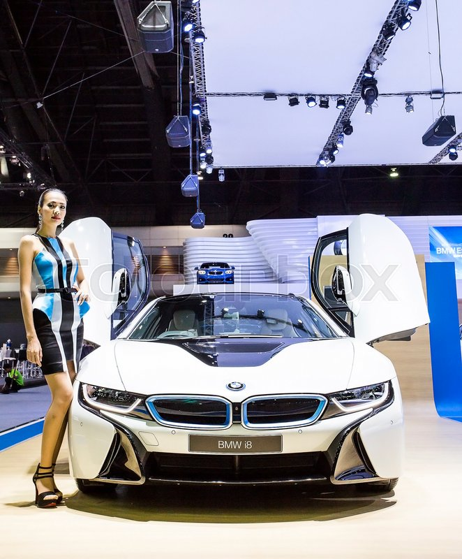 Bangkok - December 28 : Unidentified model and white BMW series I8 ...