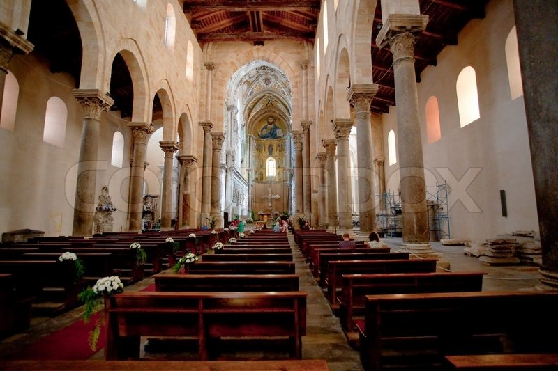 Stock image of 'Interior of the medieval Cathedral in Cefalu, Sicily, Italy'