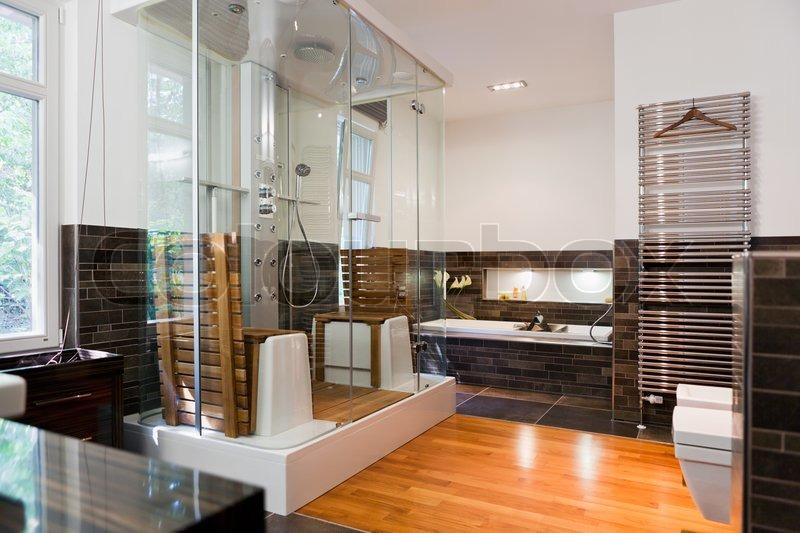 sch ne interieur eines badezimmers modernes haus stock foto colourbox. Black Bedroom Furniture Sets. Home Design Ideas