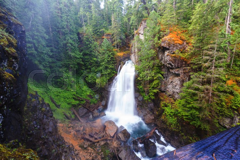 Stock image of 'Beautiful waterfall in Vancouver island, Canada'