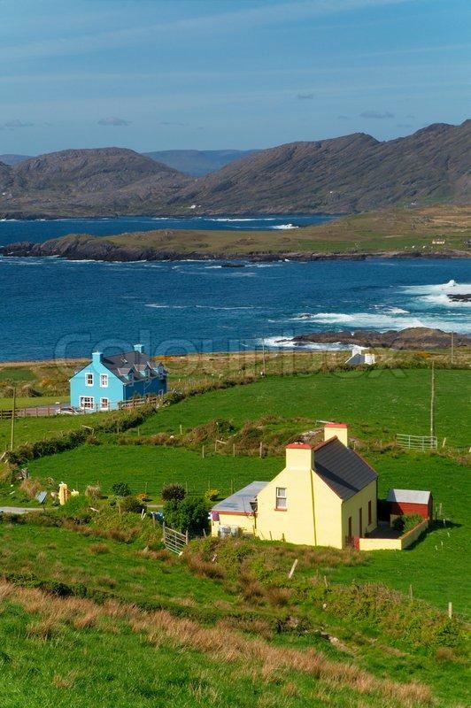 Houses By The Ocean At Beara Ireland Stock Photo