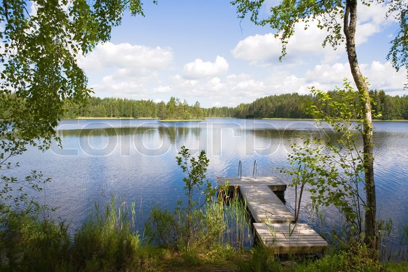 Stock Bild von 'Summer lake in Finnland'
