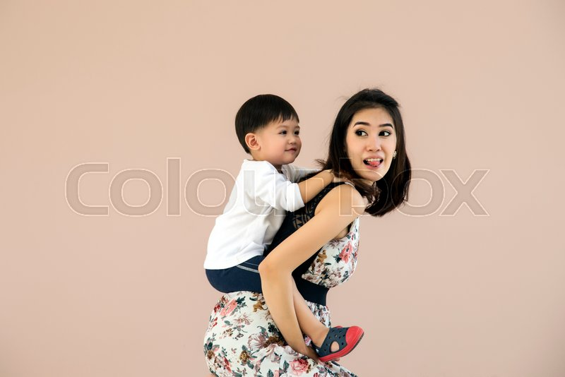 Stock image of 'Mother and son who are playing together'