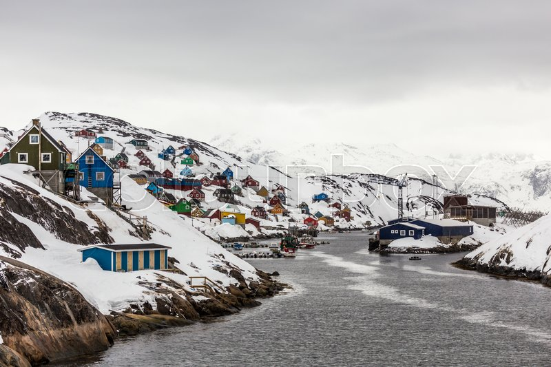 Stock image of 'Kangamiut panorama - colorful arctic fishermen village houses in the middle of nowhere'