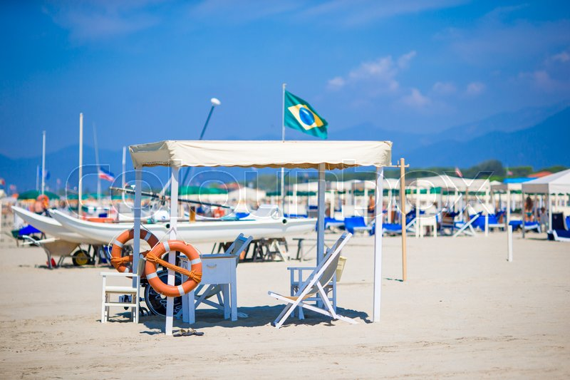 Stock image of 'watchtower for rescue at sea at Forte dei Marmi beach in Italy on a summer day'