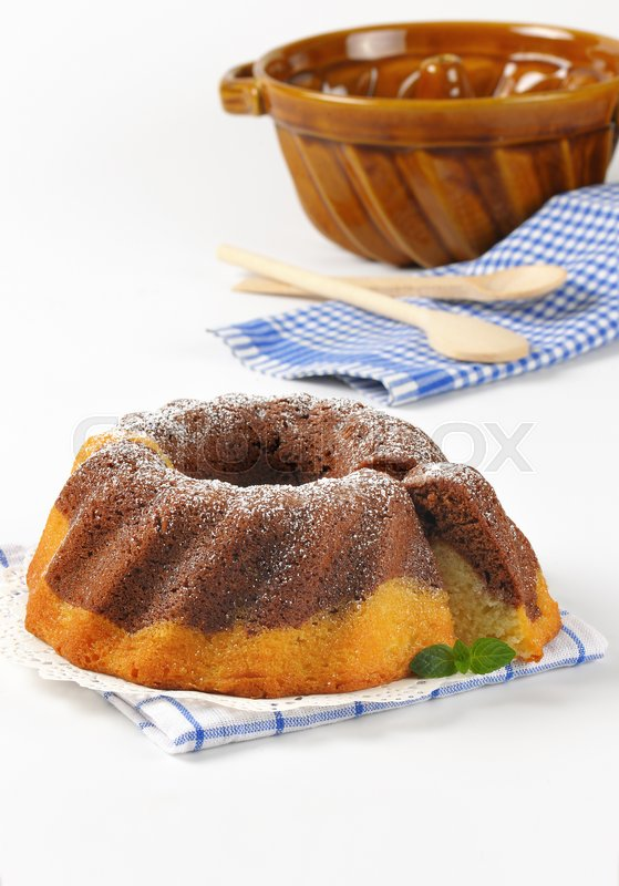 Stock image of 'marble bundt cake and bundt cake pan'