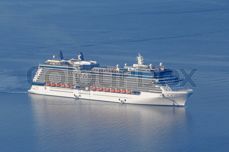 Stock image of 'Cruise liner in Aegean Sea'
