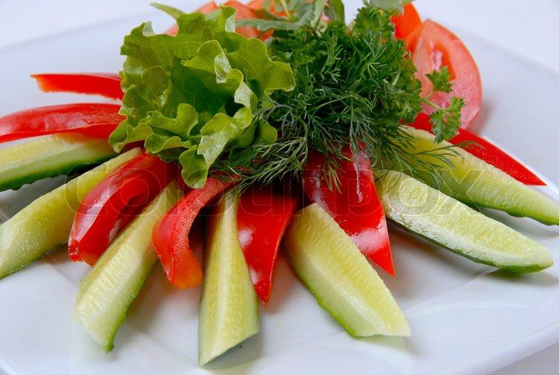 salat paprika tomaten und gurken mit salat stockfoto colourbox. Black Bedroom Furniture Sets. Home Design Ideas