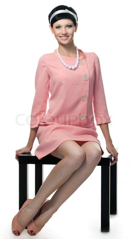 6af1fa8652c4 Retro kvinde i lyserød kjole 60 erne ...