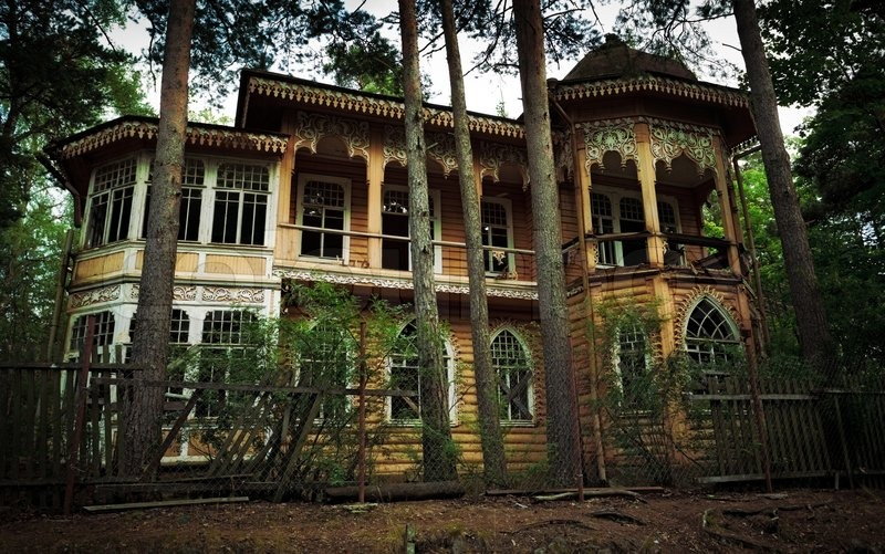 [Image: 2241126-835483-abandoned-house-in-the-forest.jpg]
