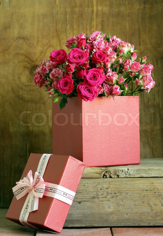 Flowers And Gifts For Valentine S Day Roses Chocolates And Jewelry