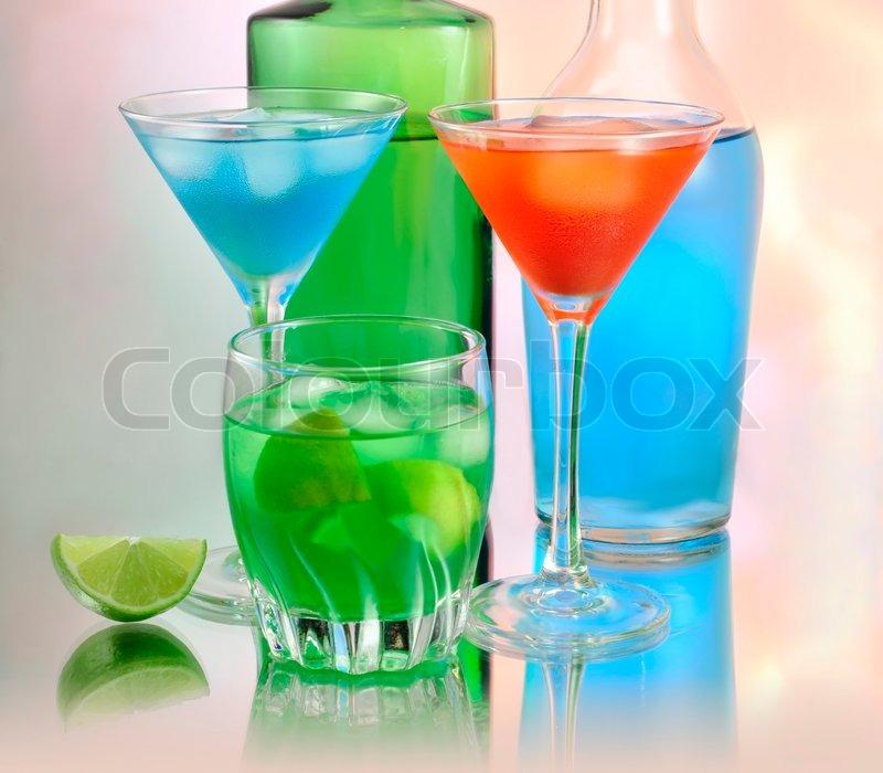 Bunter Sommer kalte Getränke | Stockfoto | Colourbox