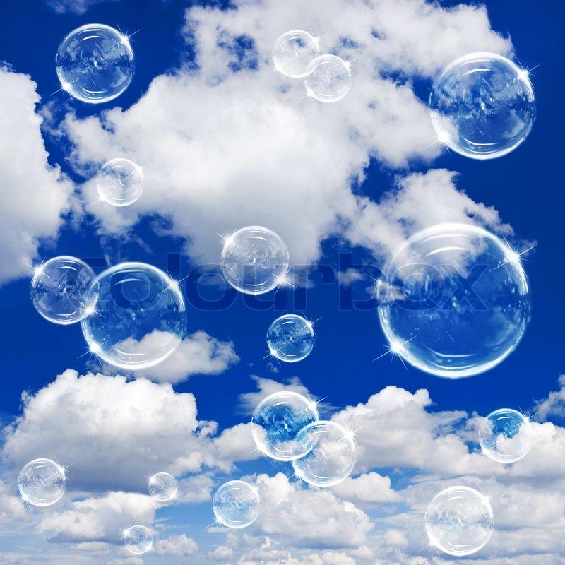 Seifenblasen auf bew lkten himmel hintergrund stockfoto for Seifenblasen auf englisch