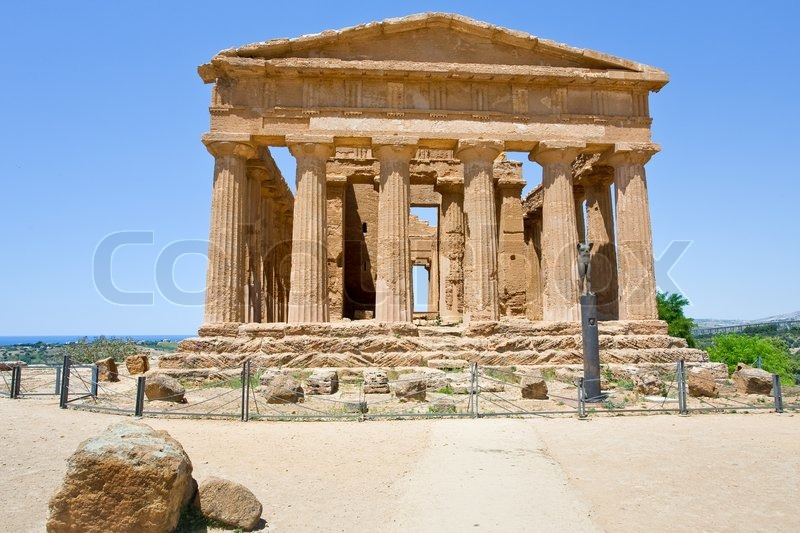 antike tempel der concordia in tal der tempel in agrigento sizilien stockfoto colourbox. Black Bedroom Furniture Sets. Home Design Ideas