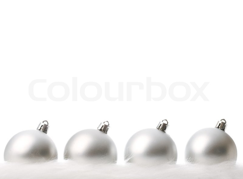 silber weihnachtskugeln mit schnee isoliert auf wei stockfoto colourbox. Black Bedroom Furniture Sets. Home Design Ideas