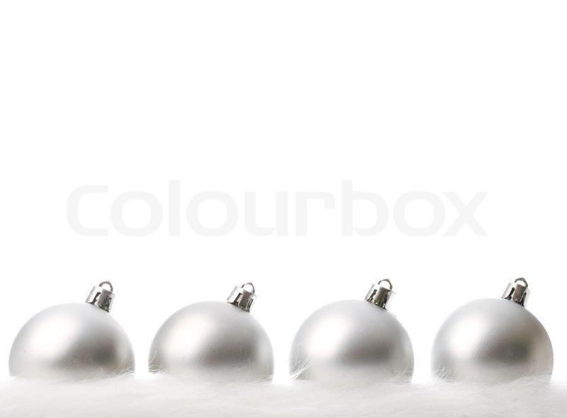 silber weihnachtskugeln mit schnee isoliert auf wei. Black Bedroom Furniture Sets. Home Design Ideas
