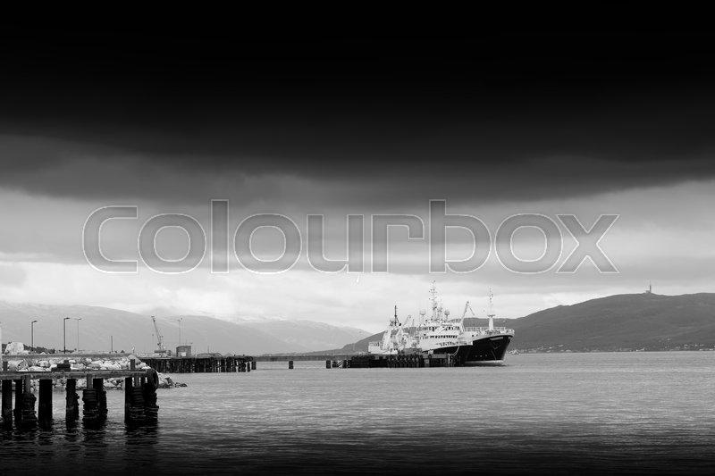 Horizontal black and white ship transportation background hd, stock photo