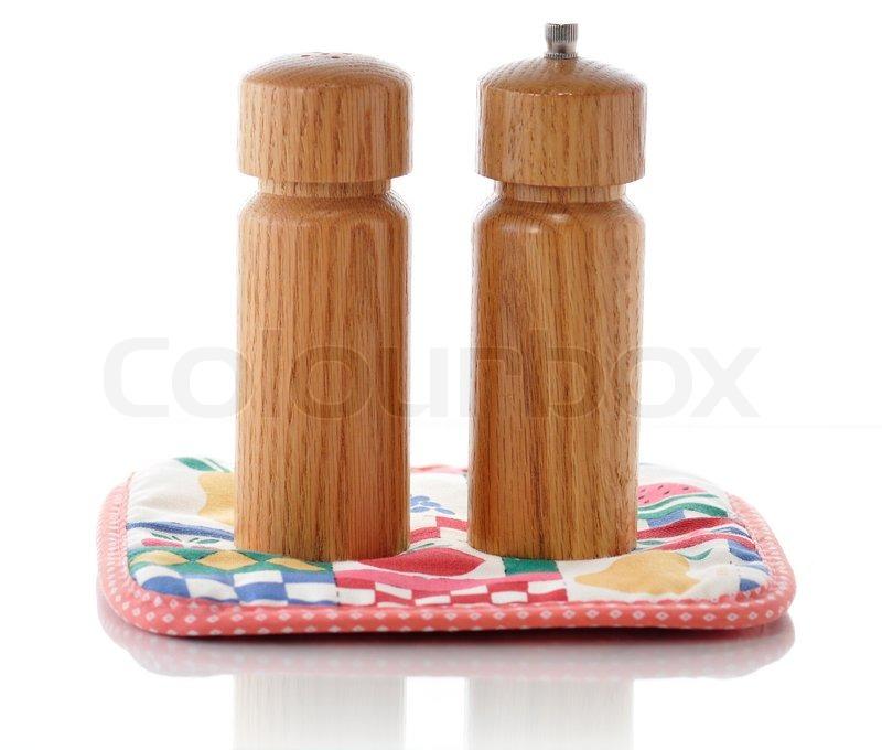 Træ salt og peber shakers | stock foto | Colourbox