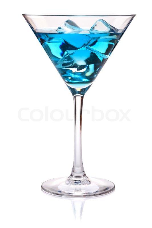 blau tropischen cocktail in martini glas auf wei em hintergrund stock foto colourbox. Black Bedroom Furniture Sets. Home Design Ideas