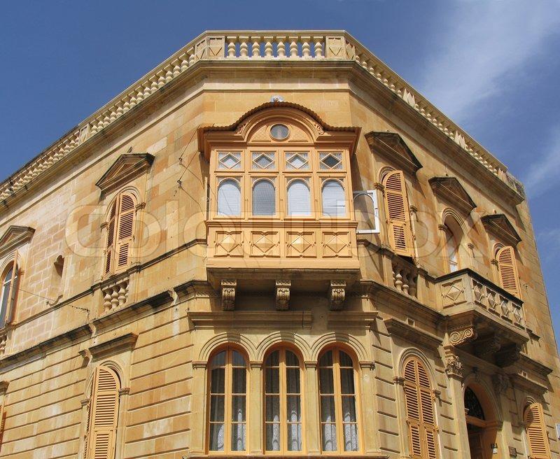 typisch maltesischen haus mit balkon stockfoto colourbox. Black Bedroom Furniture Sets. Home Design Ideas