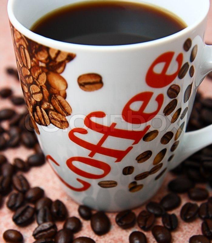 Große Tasse Kaffee : gro e tasse frisch gebr hten kaffee gemahlen stock foto colourbox ~ A.2002-acura-tl-radio.info Haus und Dekorationen