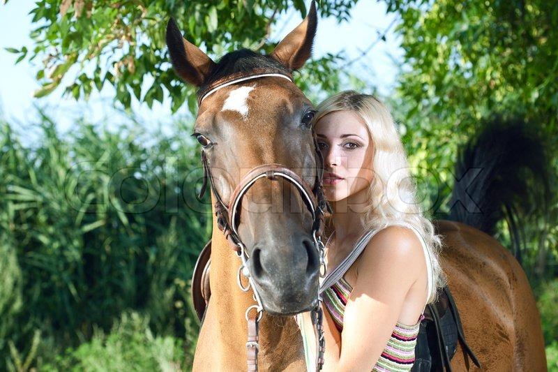 kvinde har sex med hest escort vejle