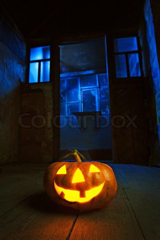 Light Room Blue Crop Box