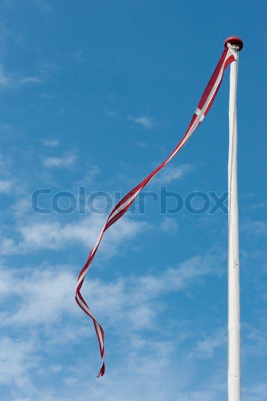 Oprindeligt Hvid flagstang med dansk vimpel | Stock foto | Colourbox VA93
