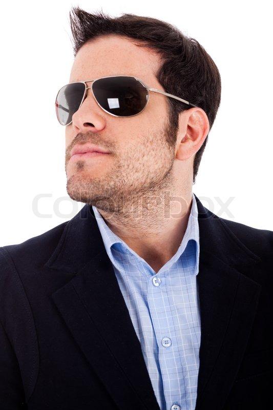 db342af6690790 Stock Bild von  Nahaufnahme eines Business- Mann mit Sonnenbrille auf weißem  Hintergrund