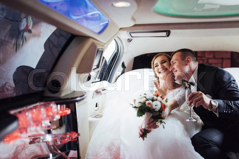 Stock image of 'Happy man and woman smiling and rejoicing in wedding day'
