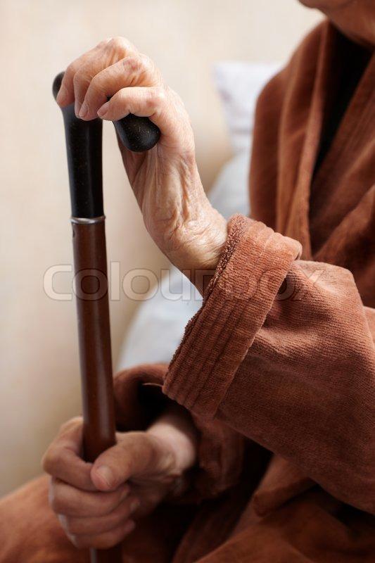 gamle fisser moden kvinde søges
