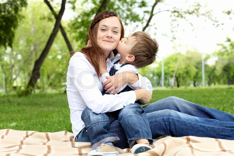 mom dating her son My 18-year-old son is dating a just like dear old mom she sounds utterly oblivious to the inappropriateness of her behavior your son should be focused on.